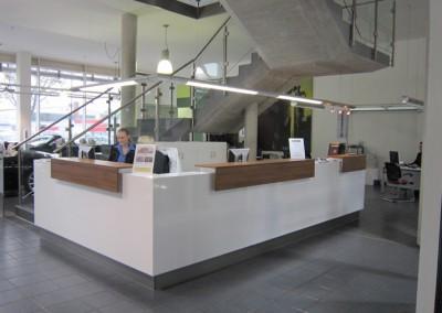 Autohaus Empfangsbereich im BMW Design